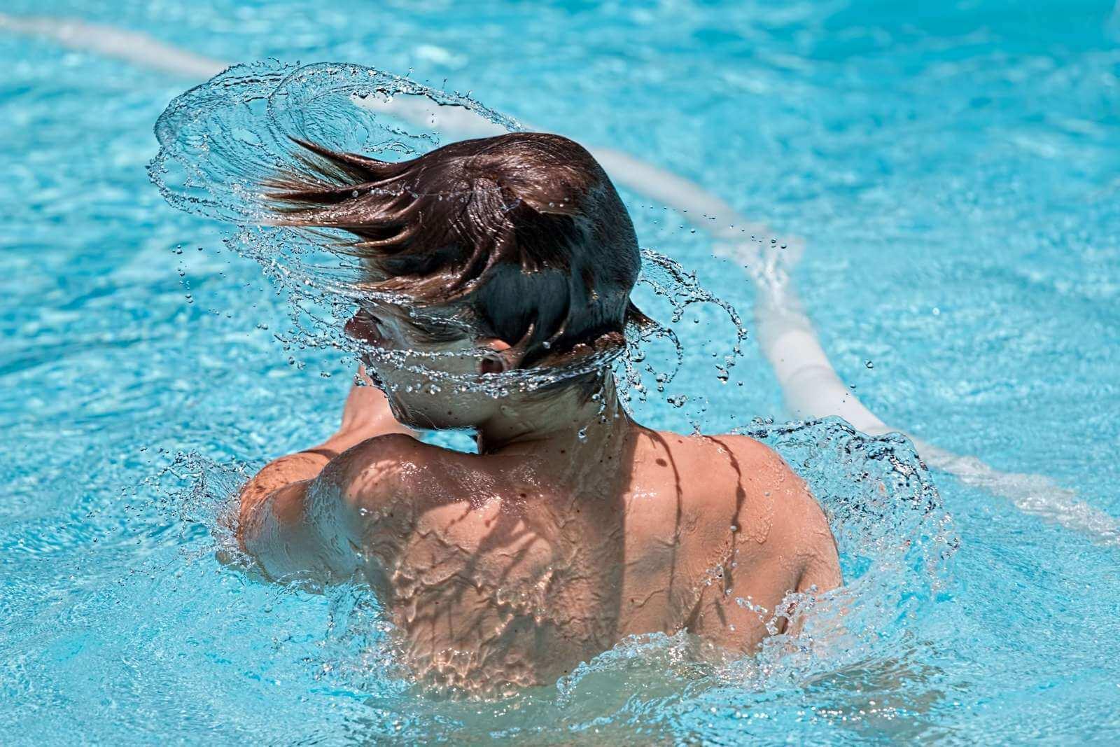 Estate ragazzi in piscina, tra sport e divertimento!